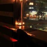 窓際カウンター席(2~4名様)