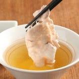 羅豚特製!! 四段仕込蕎麦つゆでお召し上がりください。