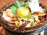 鶏ユッケ石焼ビビンバ