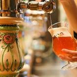 一杯一杯丁寧に注ぎ入れるビールは、コクと風味、鮮度が抜群!