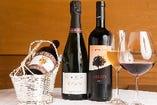 イタリア・フランスを中心としたワインも多彩にご用意。