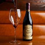 ソムリエ厳選ワインは100種以上!多彩なワインの世界を堪能