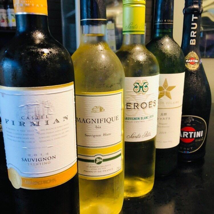 世界各国から集めた厳選ワインをお楽しみください。