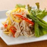 地場の契約農家から直送された旬の野菜を贅沢に使用【栃木県】