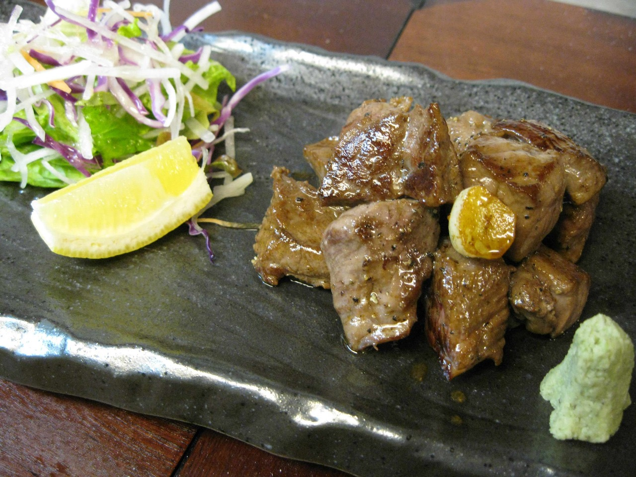 短角牛のサイコロステーキ