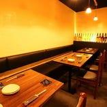 広々テーブル席 2~最大30名様まで対応します。