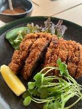 やまさきオリジナル 若馬の馬カツ定食【ご飯・スープ・サラダ付き】