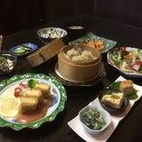 豆腐会席は事前のご予約をお願いします。