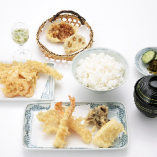 大満足の天ぷら九品《ランチ上天麩羅膳》