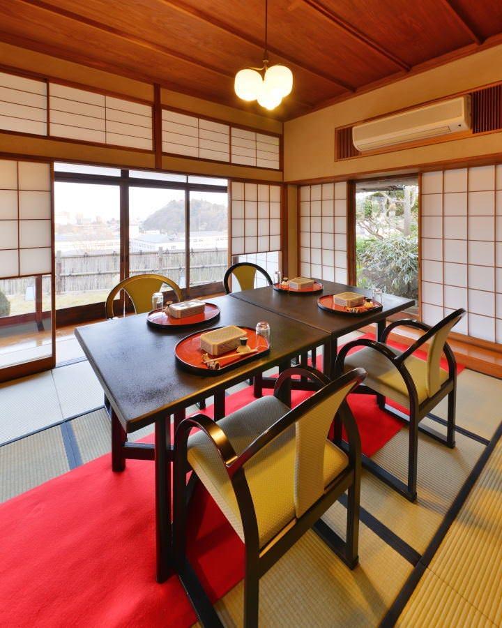 椅子・テーブル、座卓、御膳の席をご希望に合せてご準備致します