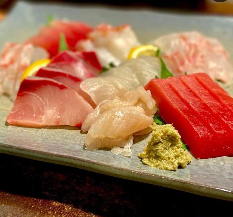 季節の新鮮な魚介類