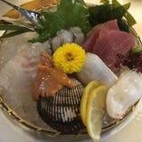 三重県でとれた新鮮な海の幸をお届けいたします。