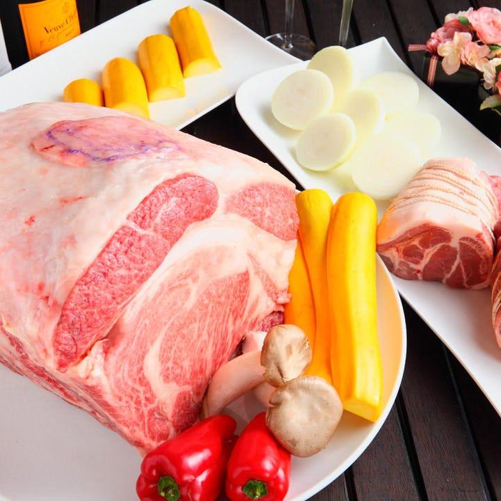 【2時間飲み放題付】お肉に加えてシーフード&和牛も味わえるスペシャルコース〈全7品〉