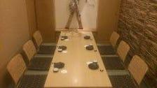 現代の粋が漂う全席個室の上質空間