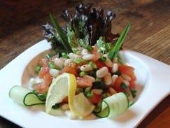 ☆豆のサラダ.ビタミンとミネラルをバランスよく含む健康食です