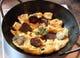 スジュックルユムルタ (手作りのサラミと卵のオムレツです)¥800