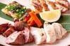 汁いちの地鶏は「総州古白鶏」柔らかい食感と肉汁溢れるジューシーさが特長です♪