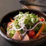 合鴨スモークの彩りサラダ