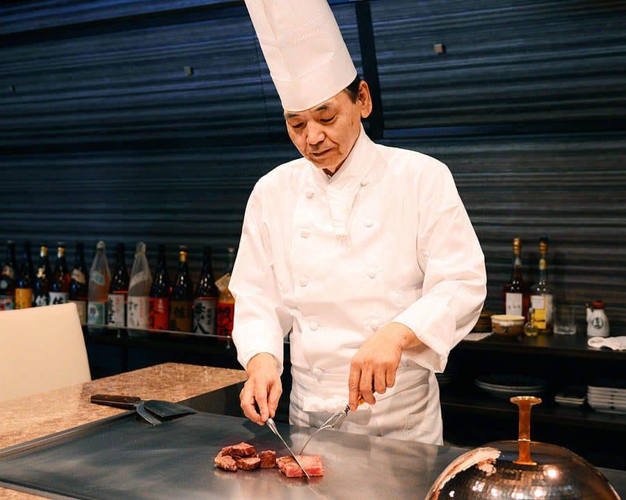 有名店での調理経験を持つシェフが目の前で調理いたします♪