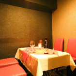 4名様個室 × 2部屋 記念日や接待にもご利用可能です。
