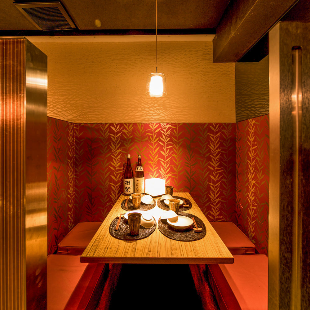 テーブル席・完全個室(壁・扉あり)・6名様~8名様