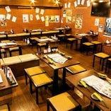 【テーブル席(2~52名様)】仕事終わりにふらっと寄りたいレンガ造りの温かい空間