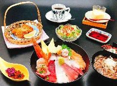 【限定15食】お昼の海鮮丼御膳