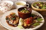 肉料理と魚料理のコンビプレート【1日10食限定・月替わり】