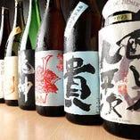 日本酒は60種類を常時取り揃え。お好みのお酒を見つけてください