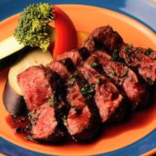 自慢の肉料理は焼き方がポイント☆