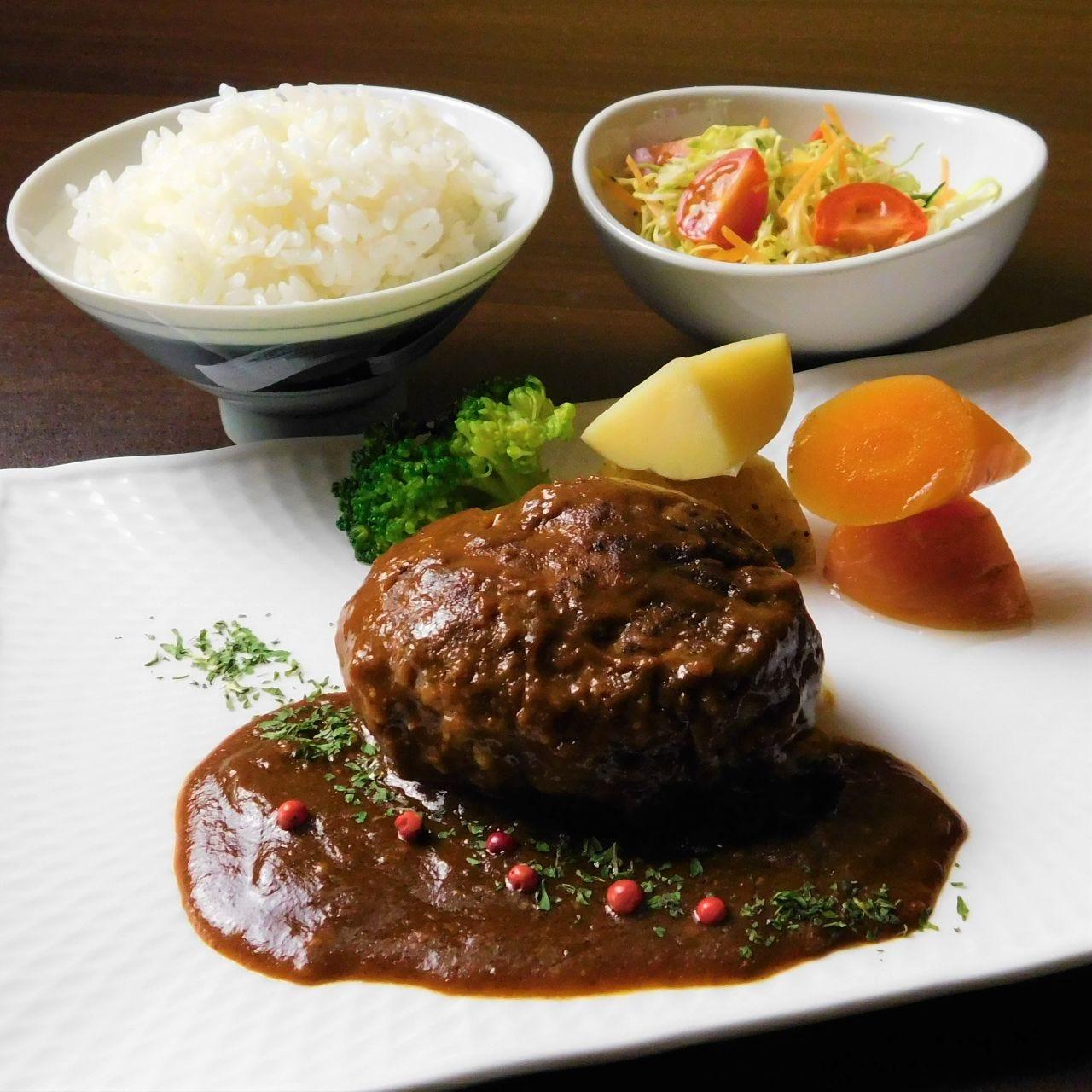 ごっさん手作りの料理をご家庭の食卓でお食事ください