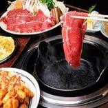 牛、豚、鶏、羊。様々な新鮮肉を食べ放題で!!【-】