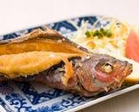 沖縄県魚「グルクンの姿揚げ」頭から尻尾までサックサク☆