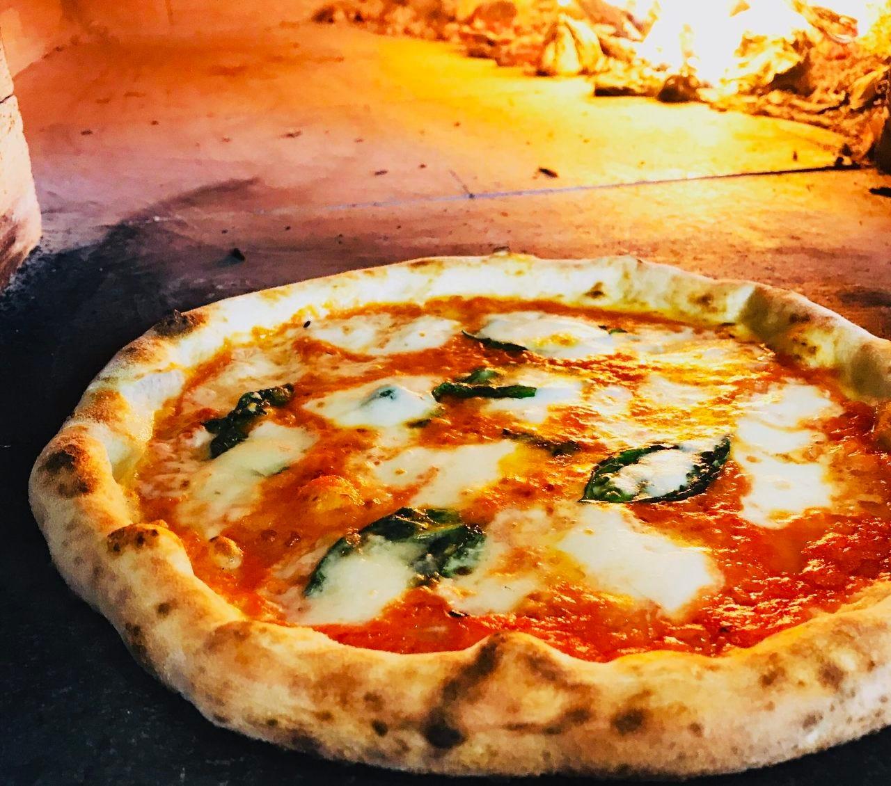 Pizzeria Piccolina ピッツェリア ピッコリーナ