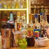 泡盛&焼酎は「ボトル」でお楽しみいただくのがおトクです!セットの氷、ソーダ、お水、お湯の使い放題プランもご用意しています♪