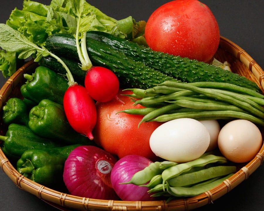 旬の新鮮野菜にこだわり仕入れます。