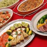 パーティーの大皿料理