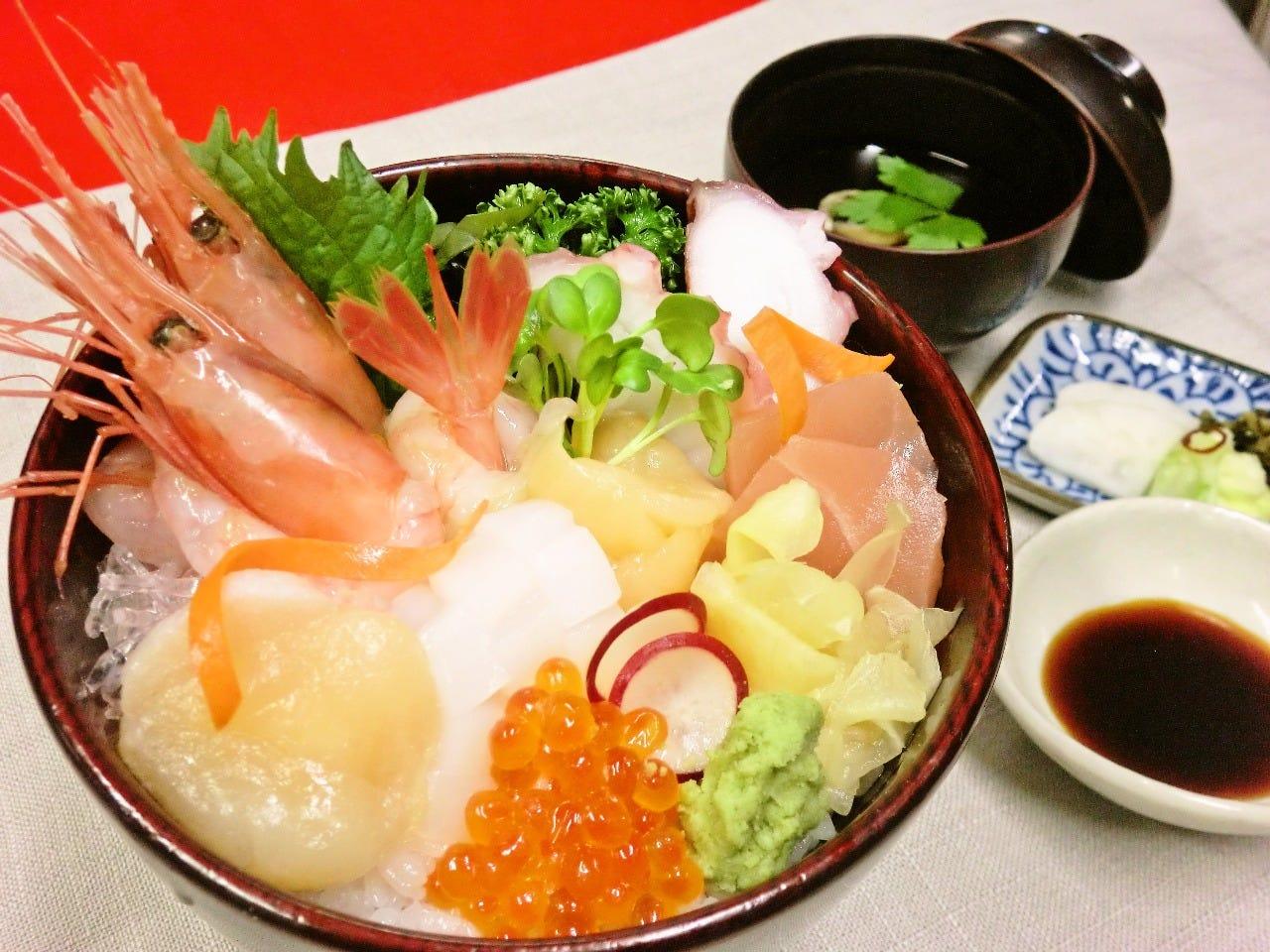 じわもんの海鮮丼は人気商品 日本海の幸を召し上がれ