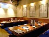 くつろげる掘りごたつ式の席が人気です☆ご家族仲間同士でのお食事会にもご利用可^^