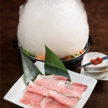 県産食材を贅沢に使用!名物しゃぶしゃぶ&すき焼き