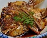 大人気、天然鯛のかぶと煮です