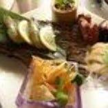 本日の刺身と前菜の盛り合わせ