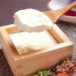 北海道産大豆の手作り豆富も当店のオススメメニューです。