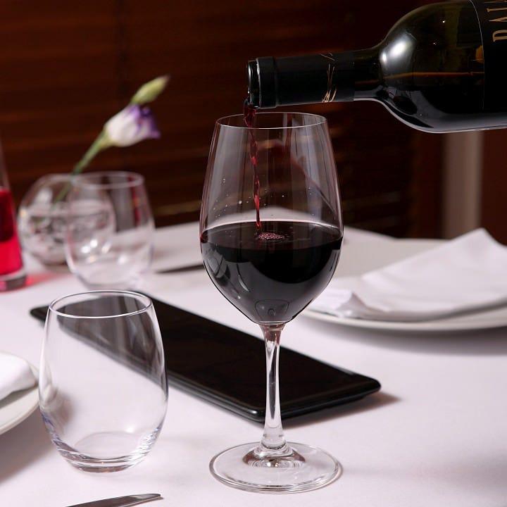 お料理に合わせたワインをどうぞ