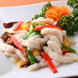 白身魚と野菜の彩炒め