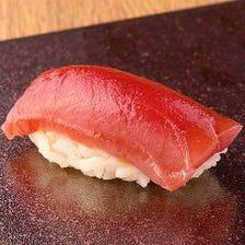 店主自ら市場へ出向き厳選した魚介類