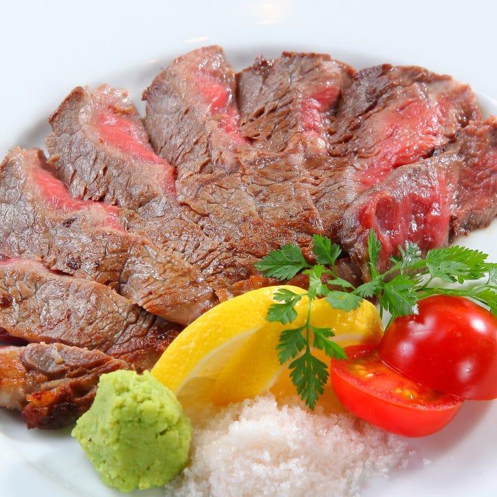 肉料理も充実★ がっつり食べたい夜もぜひ