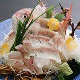 [ご婚約・還暦など] お祝いにはお店より鯛のお造り等をサービス