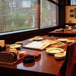 5名様前後での会食から、10名様以上でのご宴会まで幅広人数に対応◎