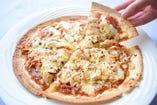 高足蟹としらすのシーフードピザ